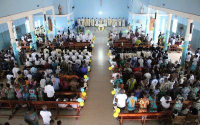Bezoek aan de nieuwe parochie van Talo – Atakpamé